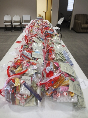 Valentine Gift Bags for Nursing Home Residents_4