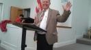 Pastor waving to Manoah